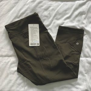 "Lululemon Pace Rival Crop 22"" with Zip"